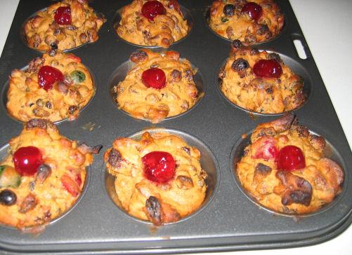 Mini Xmas Cakes still in the muffin pan