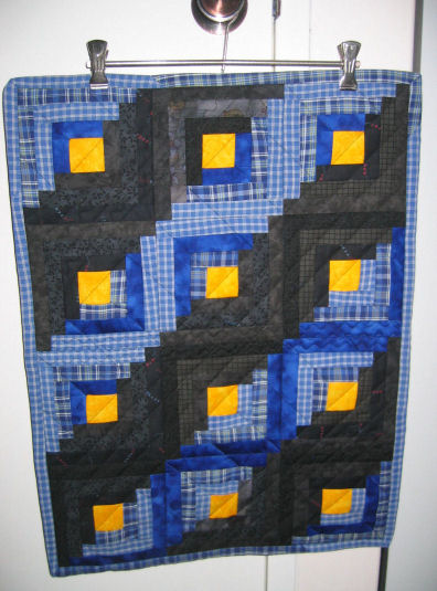 Mini log cabin quilt 1