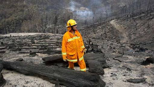 A firefighter in Gippsland, Victoria (from news.com.au)