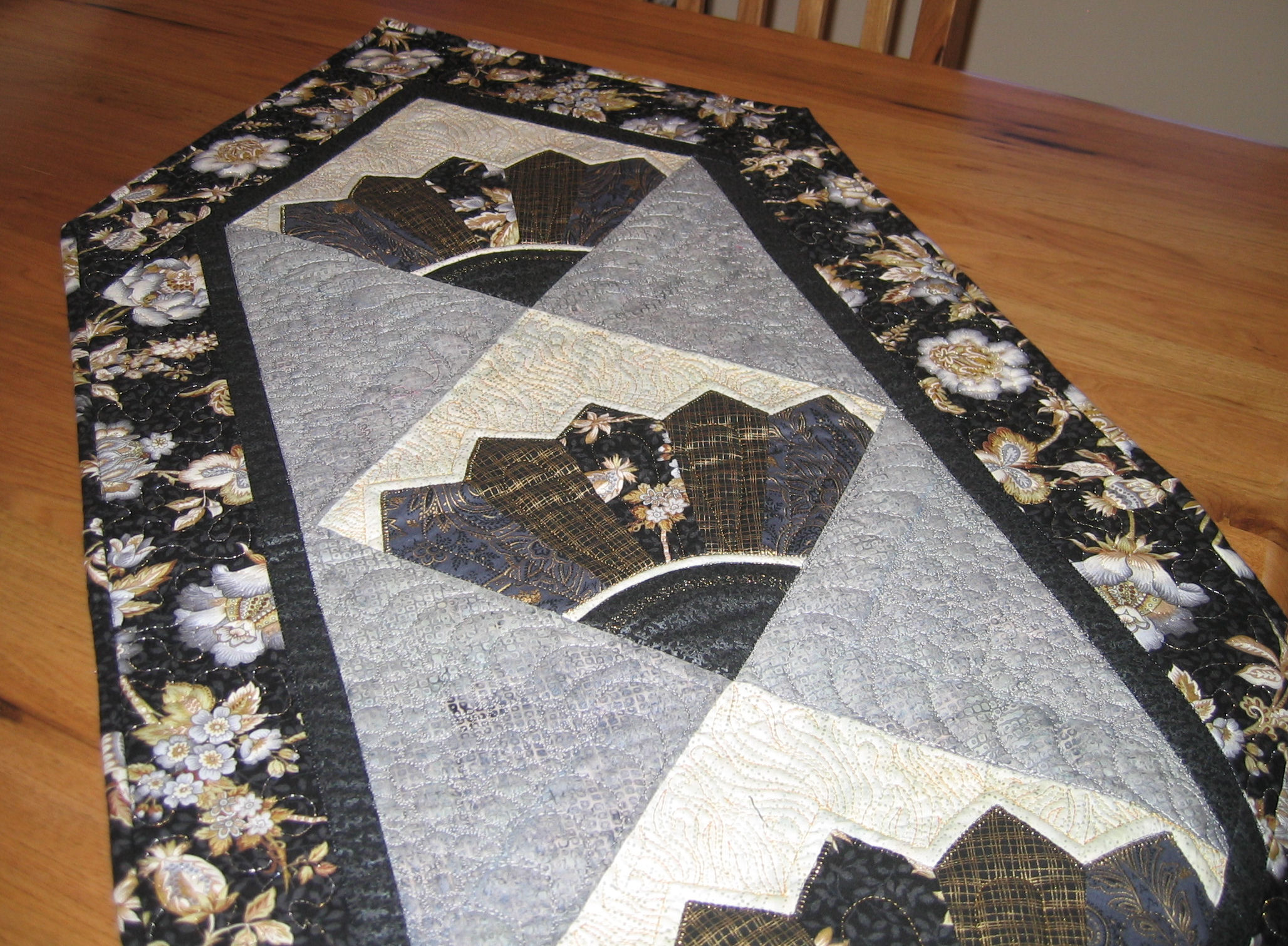Black And Gold Table Runner U2013 Finished