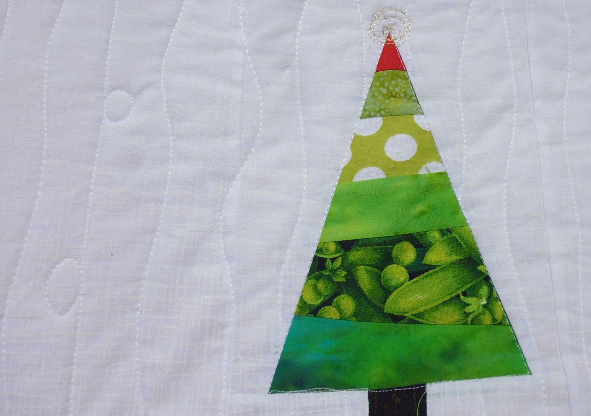 Christmas tree quilt   Rhonda Bracey: At Random